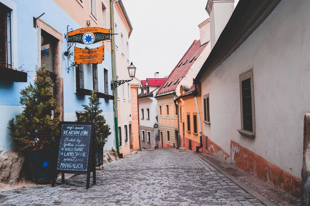 What You Could Get in Bratislava for $10 – Trace Back the Traditional Dish and the Communist Era of the City